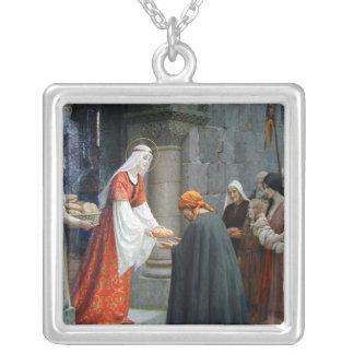 Collar Plateado El St. Elizabeth de Hungría alimenta a los pobres