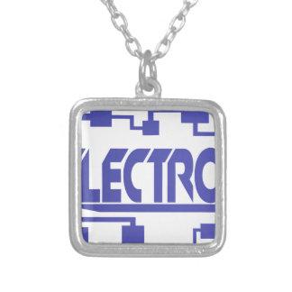 Collar Plateado Electrónica
