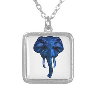 Collar Plateado Elefante del valor