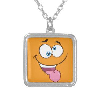 Collar Plateado Emoji cuadrado torpe tonto