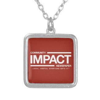 Collar Plateado Encanto del logotipo del periódico del impacto de