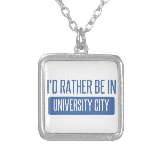 Collar Plateado Estaría bastante en ciudad de la universidad