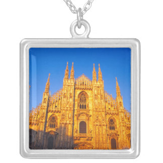 Collar Plateado Europa, Italia, Milano, catedral de Milano