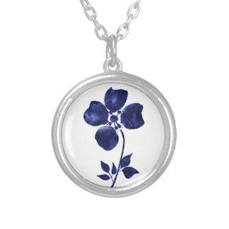 Collar Plateado Flor azul