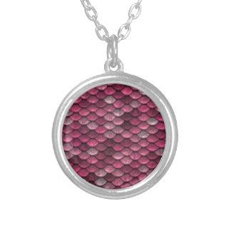 Collar Plateado Fondo rosado de Snakeskin
