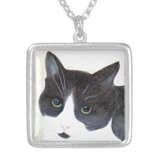 Collar Plateado Gato blanco y negro