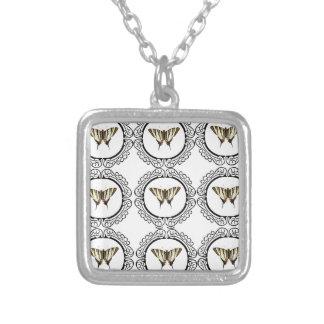 Collar Plateado grupo de mariposas