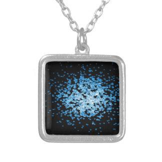 Collar Plateado Grupo grande de virus azules en mycorscope