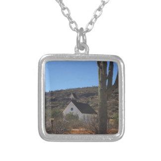 Collar Plateado Iglesia del oeste vieja