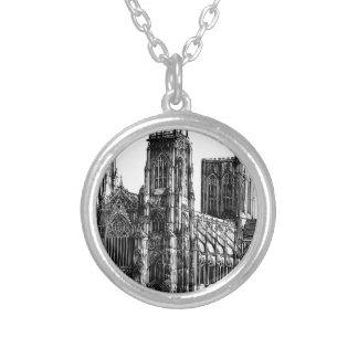 Collar Plateado Ilustracion de la catedral