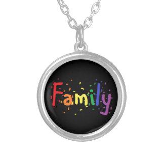 Collar Plateado Insignia de la familia de LGBT