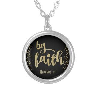 Collar Plateado Inspiración cristiana: Por la fe
