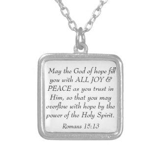 Collar Plateado La biblia de la alegría y de la paz versifica el
