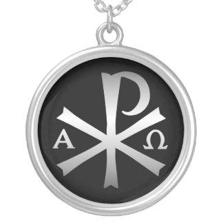 Collar Plateado Lábaro cristiano del icono con alfa y Omega
