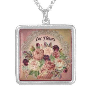Collar Plateado Les Fleurs: Color de malva magnífica