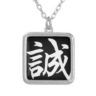 Collar Plateado Makoto sincero/honradez en japonés