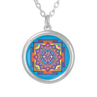Collar Plateado Mandala de Sri Yantra