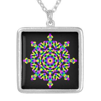 Collar Plateado Mandala del ambiente del hippy psicodélico del