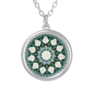 Collar Plateado Mandala del azul verde y cerúleo de Sacramento