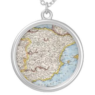 Collar Plateado Mapa antiguo de España y de Portugal circa 1700s