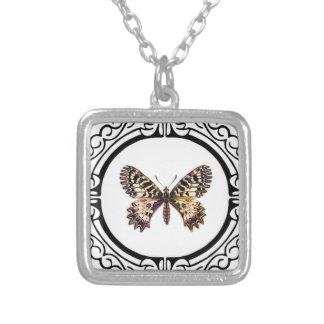 Collar Plateado mariposa anillada manchada