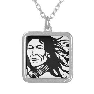 Collar Plateado Nativo americano