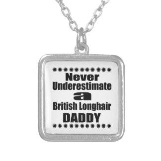 Collar Plateado Nunca subestime al papá de pelo largo británico