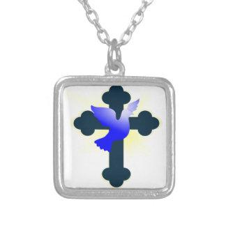 Collar Plateado Paloma y cruz