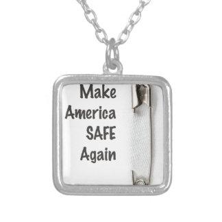 Collar Plateado Pin de seguridad
