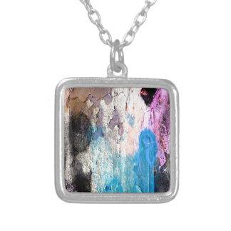 Collar Plateado Pintura de la peladura en azul, púrpura, rosa
