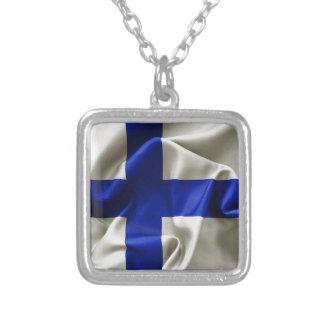 Collar plateado plata de la bandera de Finlandia