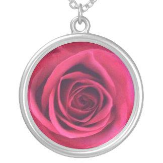 Collar plateado plata del rosa rojo del infinito