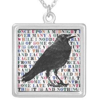Collar Plateado Poema Edgar Allan Poe del cuervo