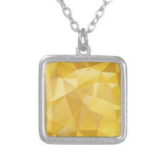 Collar Plateado Polígono amarillo