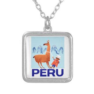 Collar Plateado Poster del viaje de Perú del niño y de la llama
