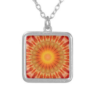 Collar Plateado Puesta del sol de la mandala