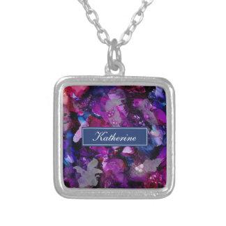 Collar Plateado Púrpura dramática del extracto de las tintas