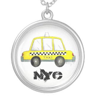 Collar Plateado Regalo a cuadros amarillo del taxi del taxi NYC