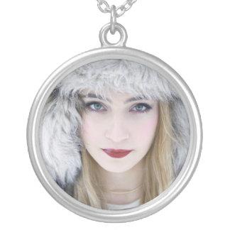 Collar Plateado Reina de la nieve
