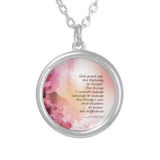 Collar Plateado Rosa de la cerca 3 del membrillo del rezo de la
