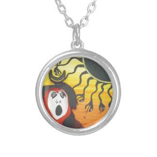 Collar Plateado Sacrificio a dios de serpiente solar