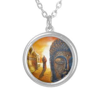 Collar Plateado Señor Gautama Buddha