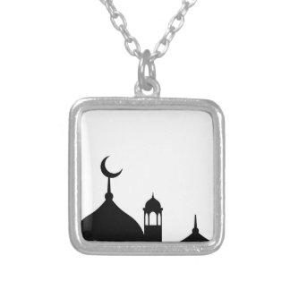Collar Plateado Silueta de la mezquita