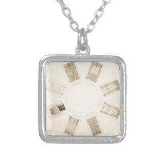 Collar Plateado Sitio octagonal