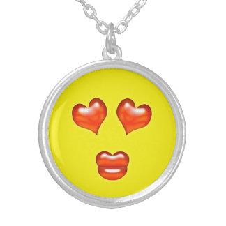 Collar Plateado Smiley divertido de Emoji del beso del amor