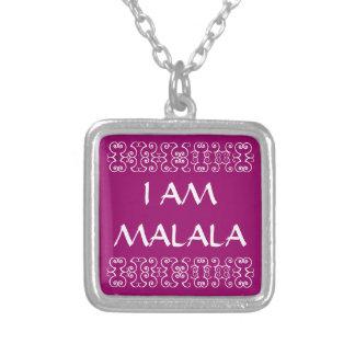 COLLAR PLATEADO SOY MALALA 2