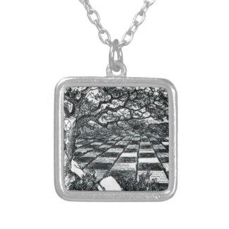 Collar Plateado Tablero de ajedrez en el país de las maravillas