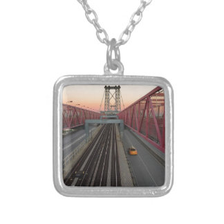 Collar Plateado Taxi de Brooklyn