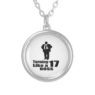 Collar Plateado Torneado de 17 como Boss