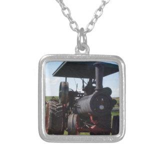 Collar Plateado Tractor del vapor de la pradera